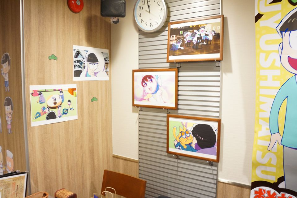 おそ松さん アニメイトカフェ限定アクリルキーホルダーの推し松率がハンパなかった件 -ゴロゴロ生活-