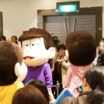 おそ松さん 春の松の市 キャラクターマスコット登場に一同笑顔になっていた件